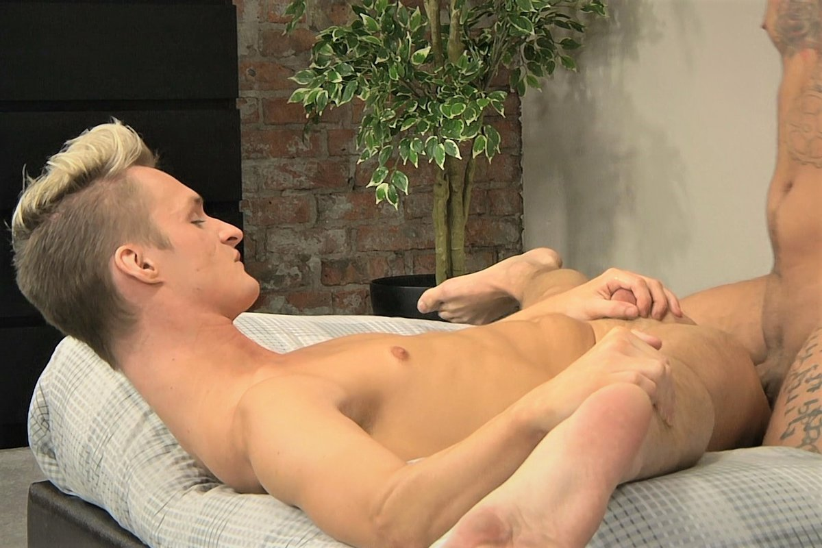 Dancer Boy Loves That Cock - Jed Munroe and Mickey Taylor