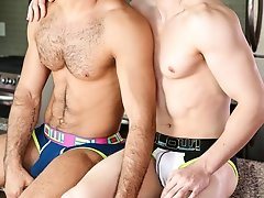 Cumming on Too Strong - Diego Sans and EriK Anders - Str8 to Gay - Gay Tube C